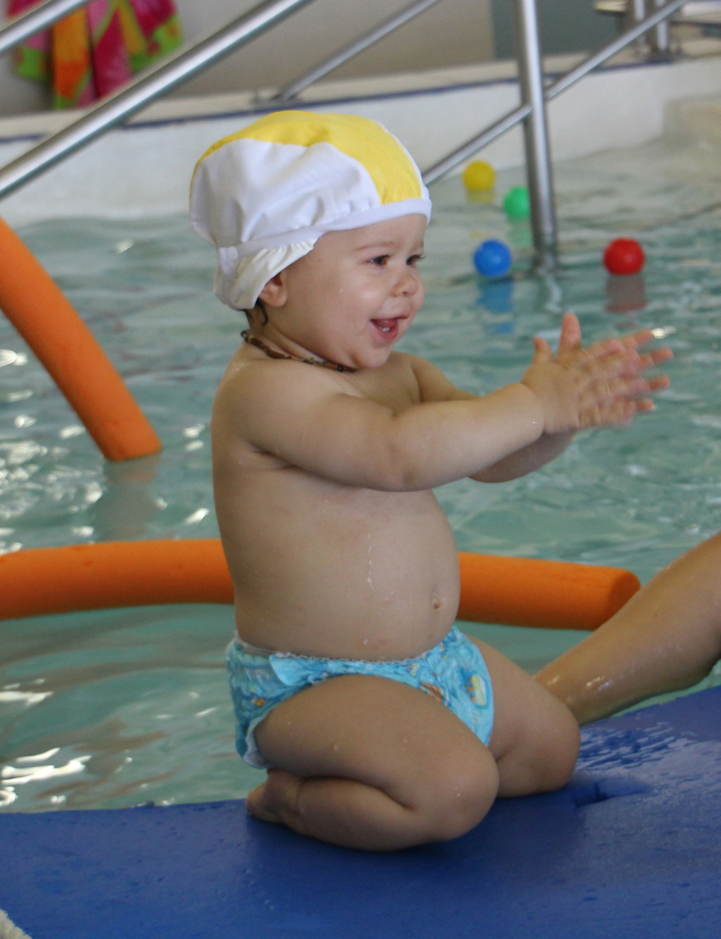 http://amoremiobello.files.wordpress.com/2012/09/baby-swimming004.jpg