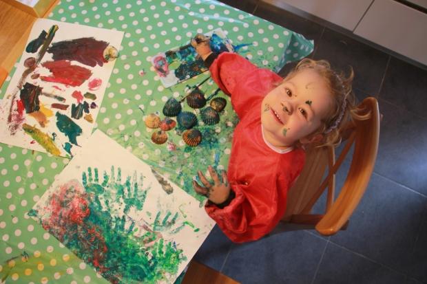 enfant fait peinture amoremiobello-1-2