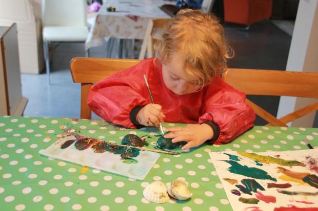 enfant fait peinture amoremiobello-1-3