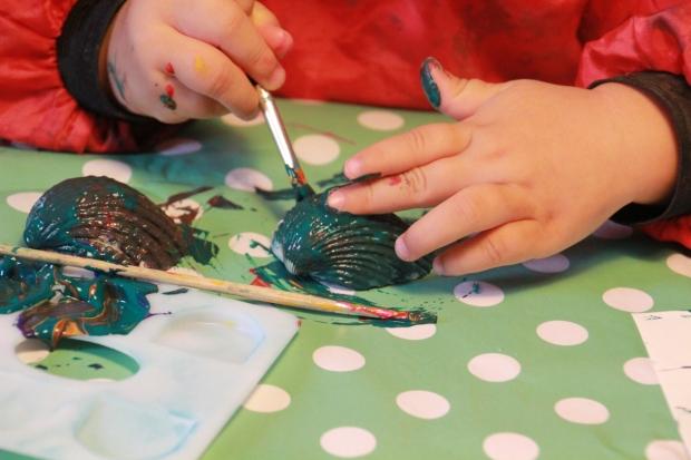 enfant fait peinture amoremiobello-1-4