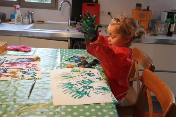 enfant fait peinture amoremiobello-1